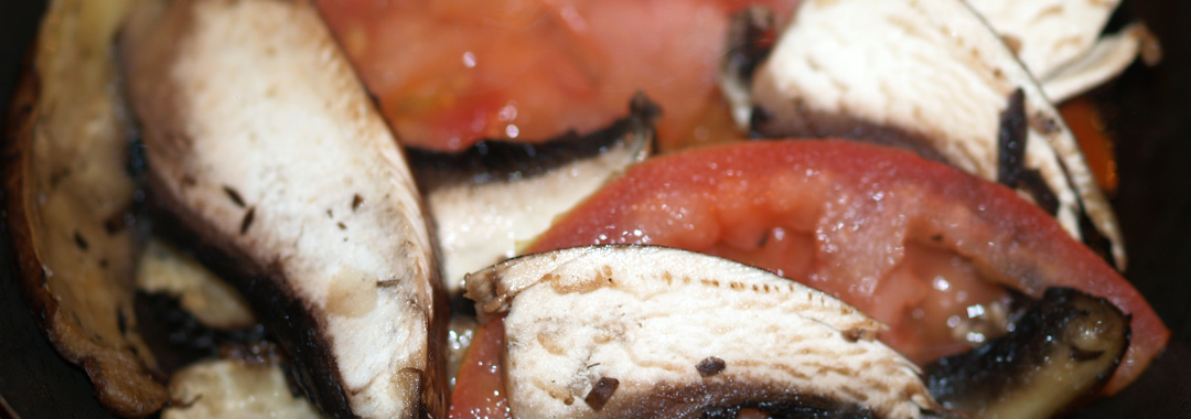 """Pizza Sub"" Grilled Cheese Ingredients: Mushrooms & Tomatoes"