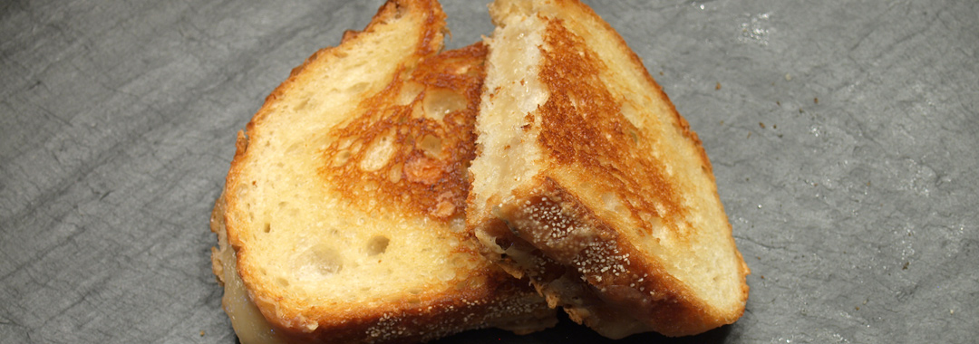 Local Lunch: Lake Erie Creamery Croquis Grilled Cheese