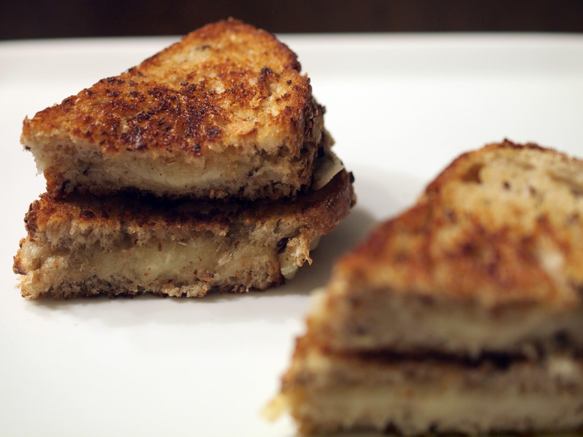 Lou Bergier Pichin & Rustico Red Pepper Cheeses